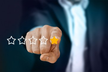 Managing Online Advisor Reviews